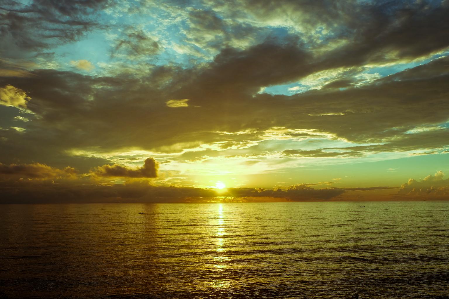 sunrise-at-bagacay-point-lighthouse-liloan-cebu-3